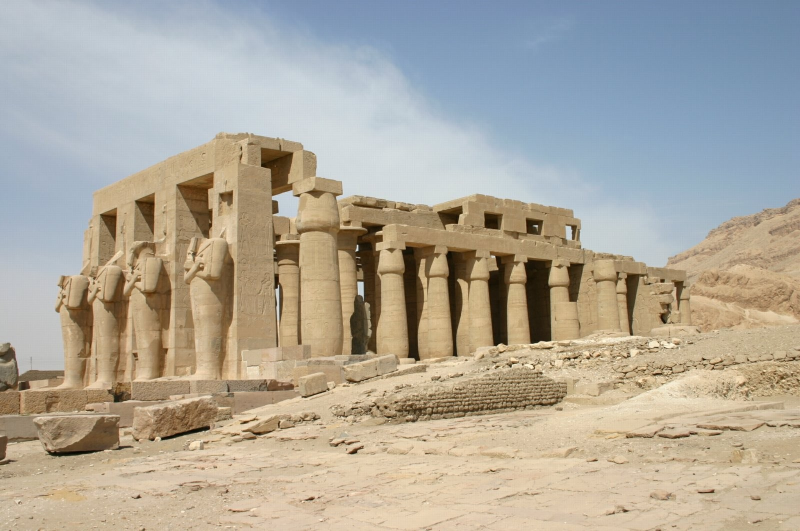 s_f-e-cameron_egypt_2005_ramaseum_01320